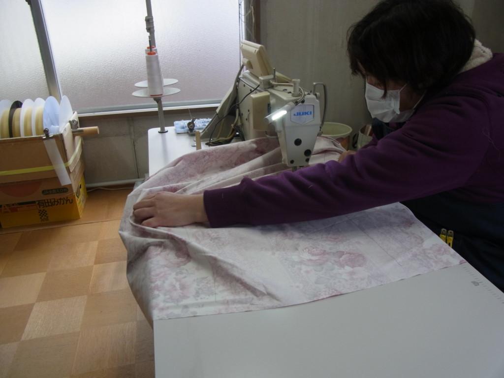 高品質の羽毛用生地を使用して丁寧に国内縫製
