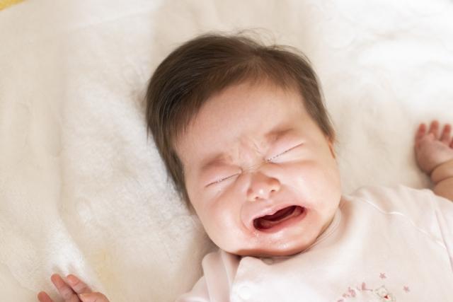 えっ!「赤ちゃんが泣いたら抱っこ」はもう古い?睡眠科学に基づく夜泣きらくらく改善術